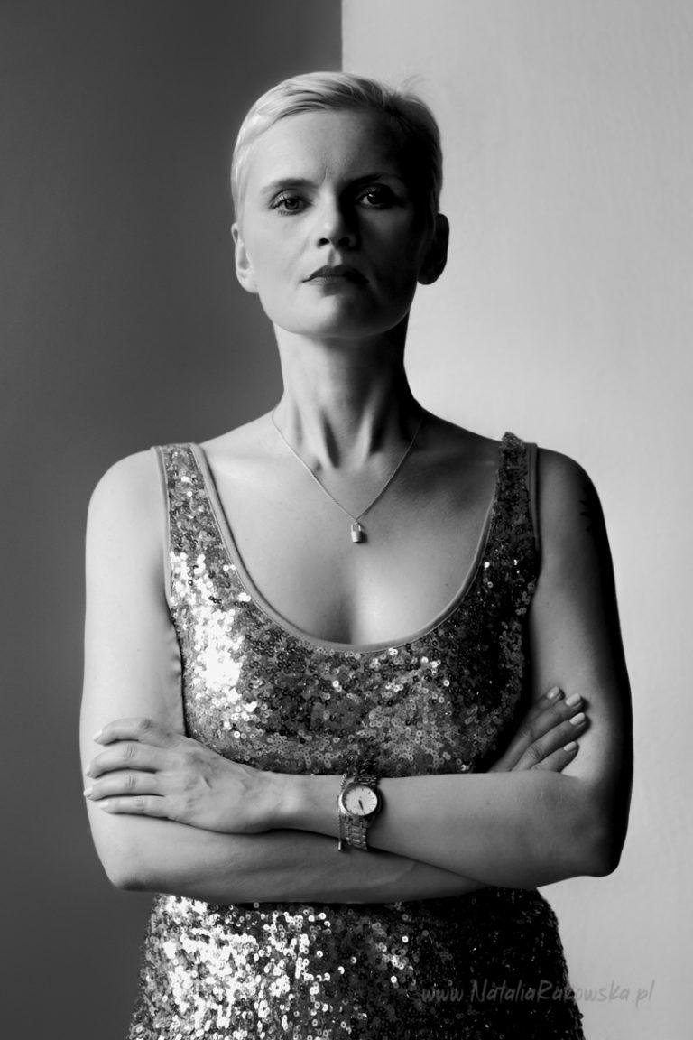 portret kobiecy bw